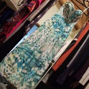 Sweetheart Neck Maxi Dress
